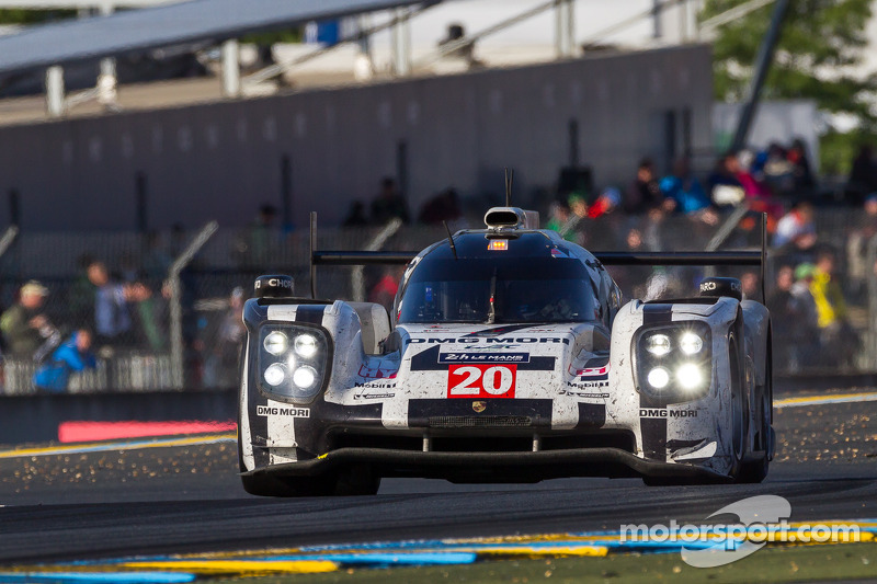 Strong performance by the two Porsche 919 Hybrids but no dream ending