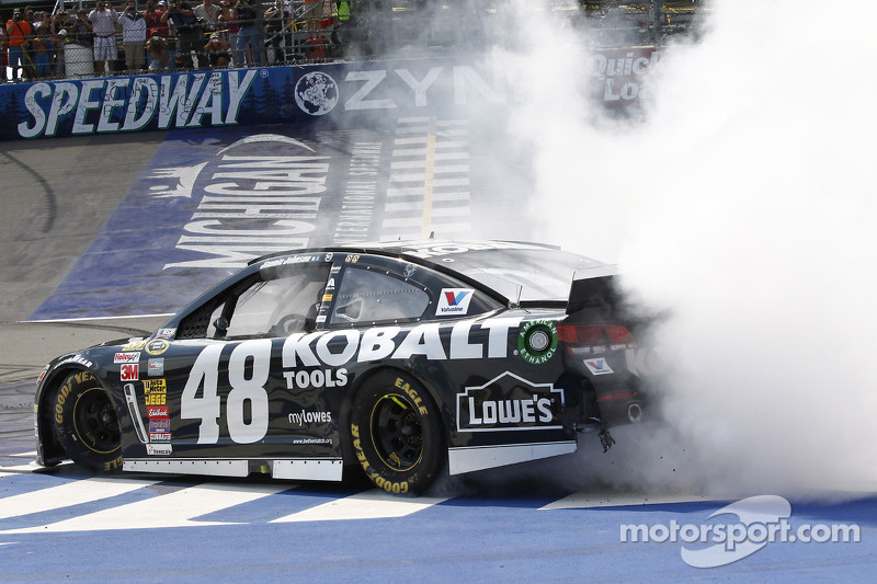 Jimmie Johnson breaks his Michigan curse with win Sunday