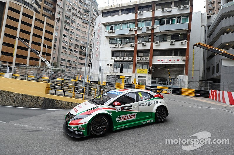 Tarquini, Monteiro make 1-2 for Honda
