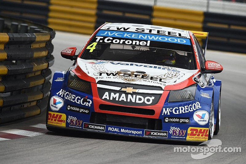 Racing driver Tom Coronel very happy after a successful 2014 WTCC season - video
