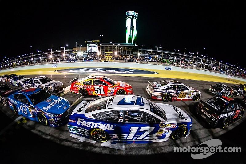 NASCAR fines Roush Fenway Racing's No. 17 team