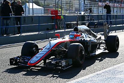 Arraque lento de Alonso con McLaren-Honda