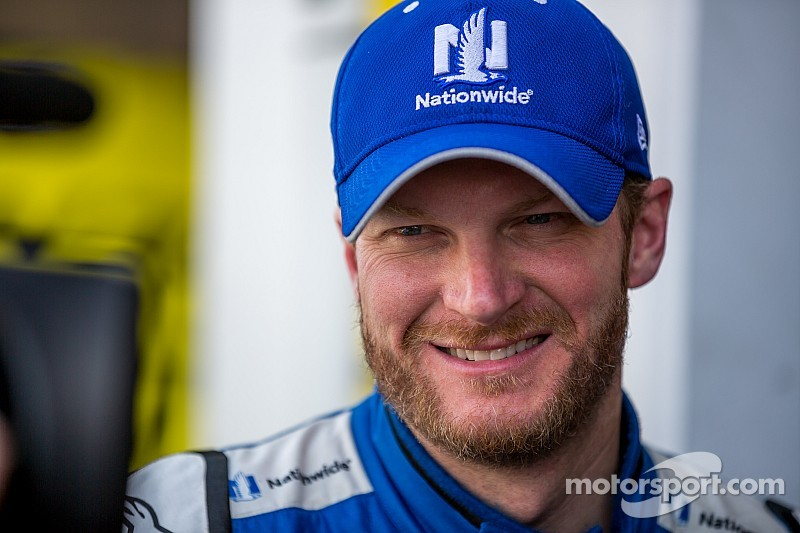 Earnhardt enjoys his second podium in 2015
