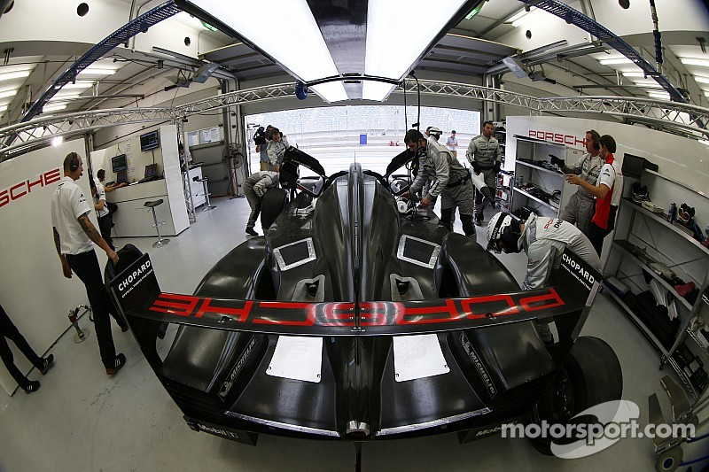 Porsche racks up the miles at Aragon