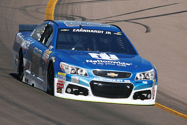 Termina la jornada de Dale Earnhardt Jr. tras desperfecto en Phoenix