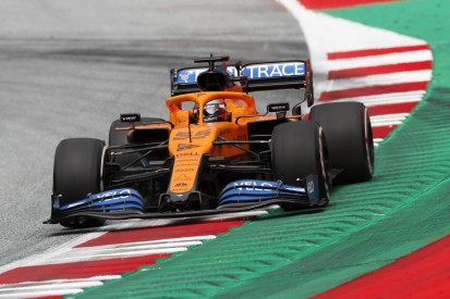 """Carlos Sainz nach Flügelschaden: Racing Point ist """"zu weit weg"""""""