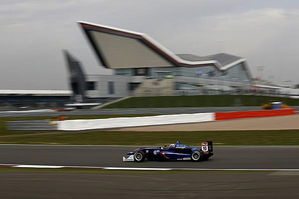 Rosenqvist y Russell mandan en el inicio de la F3