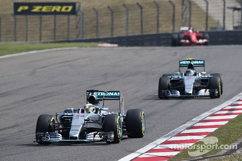 "Rosberg livid with Hamilton ""compromising"" his race"