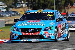 Supercars Reporte de prácticas Wall sorprendió después de la primera práctica en los V8 Supercars