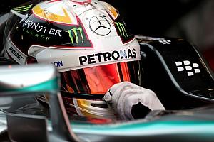 Формула 1 Отчет о тренировке Хэмилтон закончил вторую тренировку с лучшим временем