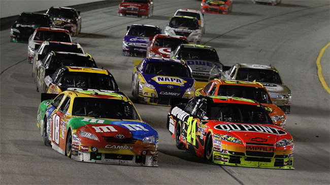 Kyle Busch batte Jeff Gordon a Richmond