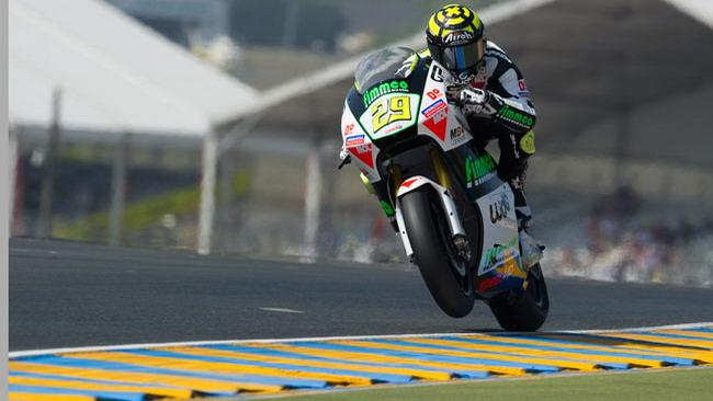 Iannone coglie la prima pole italiana