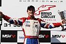 Jolyon Palmer torna leader del campionato