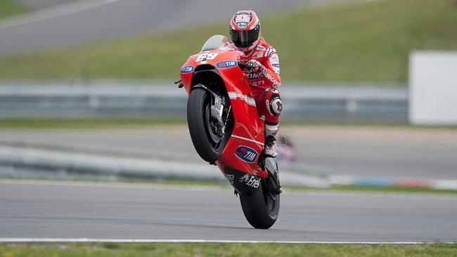 Hayden promuove le modifiche Ducati