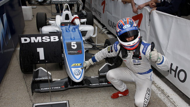Sesto sigillo per Mortara in gara 1 a Brands Hatch