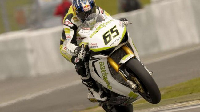 Johnny Rea vince gara 1 in Germania