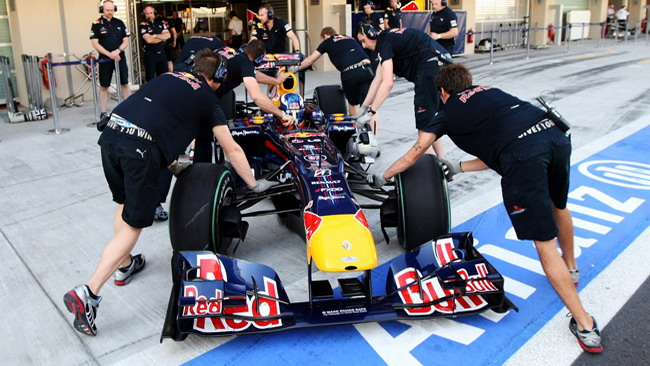 Abu Dhabi, day 1: Ricciardo al top in mattinata