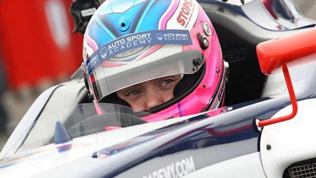 Giada De Zen firma per la Viola Formula Racing