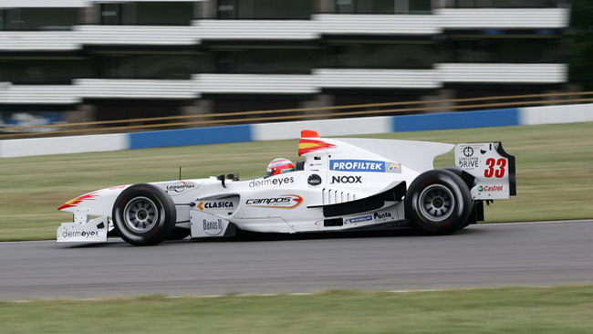 Debutto con pole position per Adam Carroll