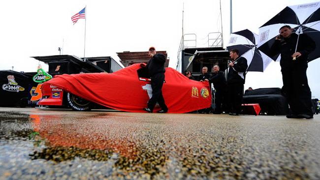 Posticipata per pioggia la gara di Chicagoland