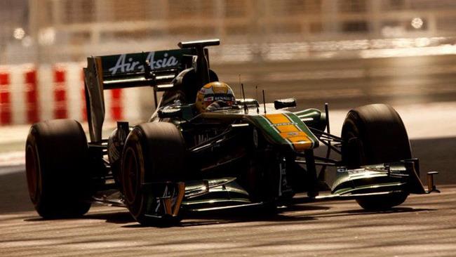 Razia in pista con il Team Lotus nelle libere in Brasile
