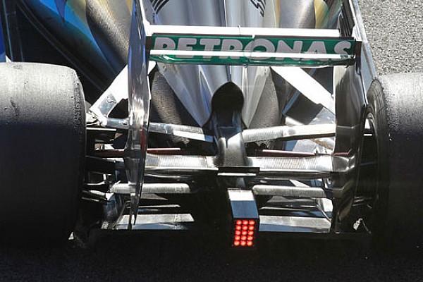 La Mercedes soffia anche nell'ala posteriore!