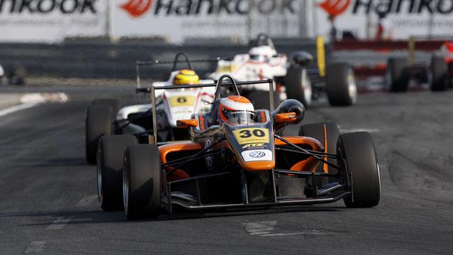 Tincknell si impone in gara 2 al Norisring