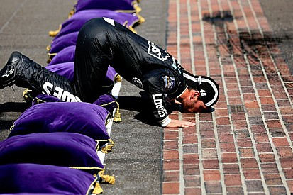 Quarto centro alla Brickyard 400 per Jimmie Johnson