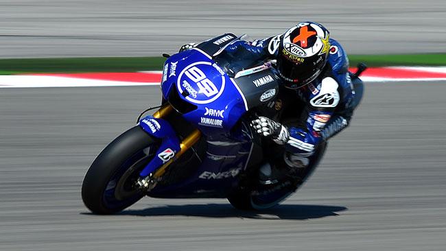 Lorenzo vince davanti a Valentino con Pedrosa out