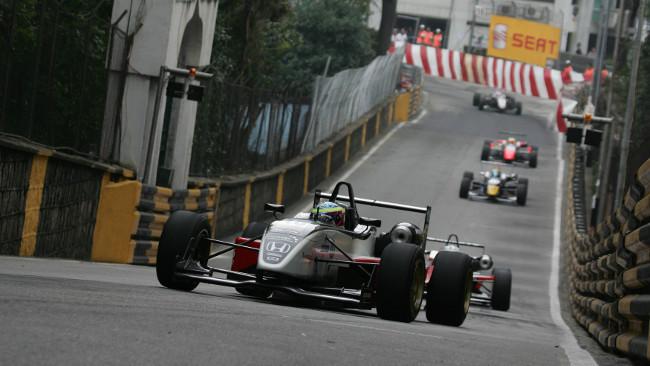 Alla fine a Macao si correrà con i motori vecchi
