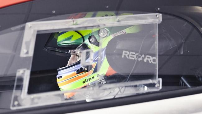 Alexander Sims torna in GP3 al Nurburgring