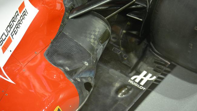 La Ferrari con il nolder e gli scarichi diversi