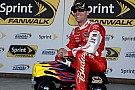 Kevin Harvick in pole al Kansas Speedway