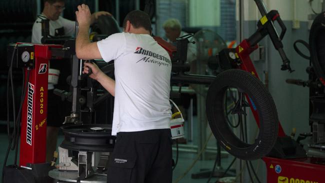 Bridgestone: una nuova dura posteriore a Valencia