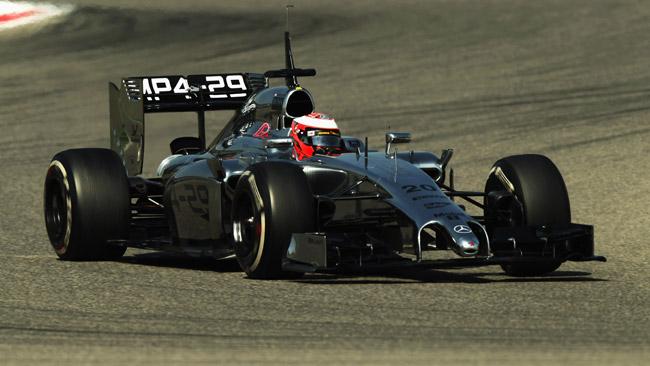 Bahrein, Day 2: Magnussen vola, Alonso chiude terzo