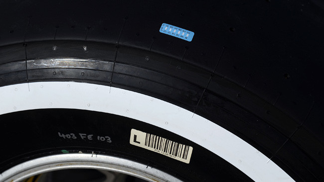 Pirelli sperimenta i termo-adesivi sulle gomme