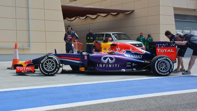 Bahrein, Day 2 (Ore 12): Red Bull, prove statiche di pit