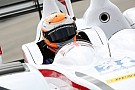 Tincknell regala la pole alla Jota a Silverstone