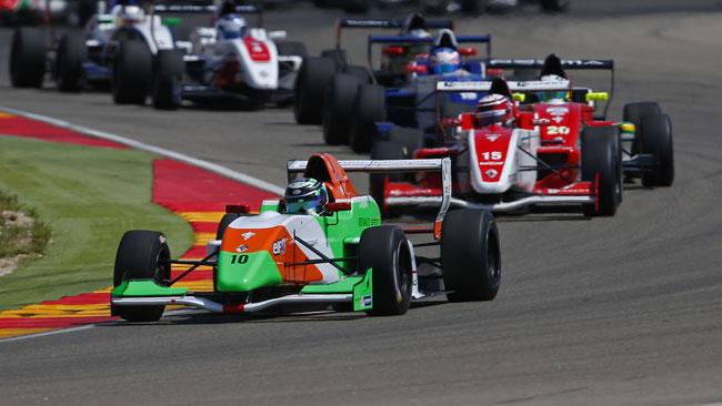 Pizzitola dalla pole alla vittoria in gara 2 ad Aragon