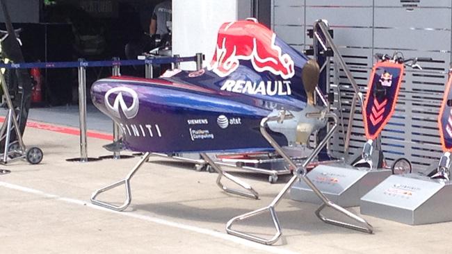 Red Bull: anche la RB10 resta con il cofano stretto