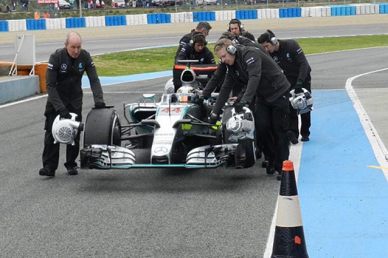 Jerez, Day 2, Ore 14: Hamilton fermo con problemi