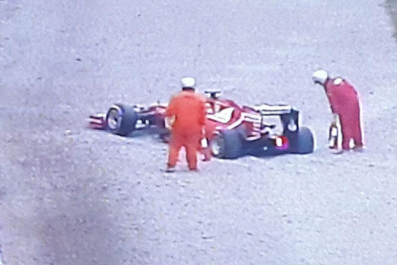 Vettel in sabbia dopo poche curve: bandiera rossa