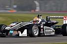Charles Leclerc doma Giovinazzi e si prende gara 3