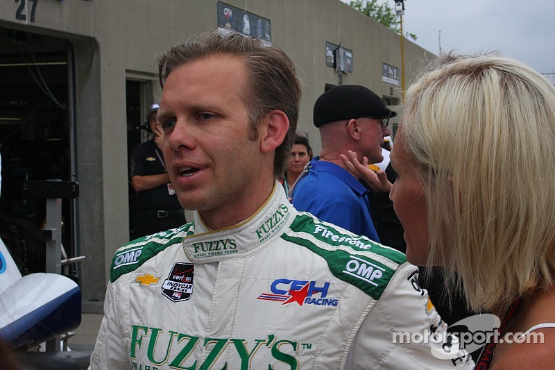 Ed Carpenter goes airborne, makes contact with catchfence - video