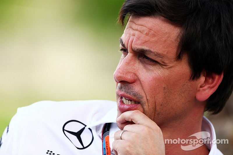 """""""No excuse"""" for Hamilton pit mistake, says Wolff"""