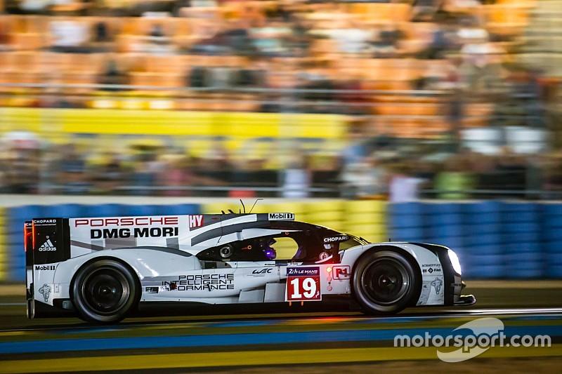 Гонщики Porsche продолжают лидировать в Ле-Мане