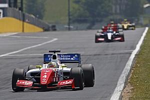 Formula V8 3.5 Résumé de course Rowland vainc Vaxiviere au Hungaroring