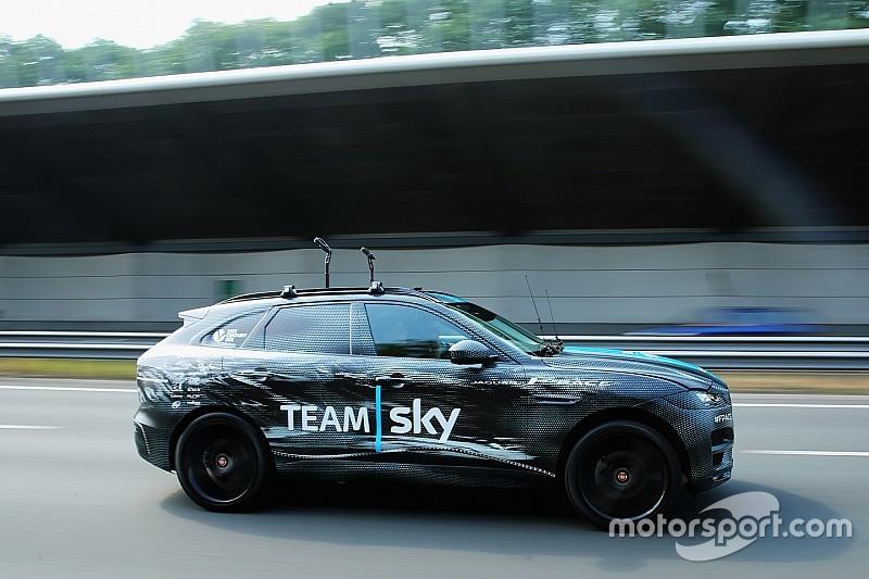 Première publique du futur Jaguar F-Pace sur le Tour de France