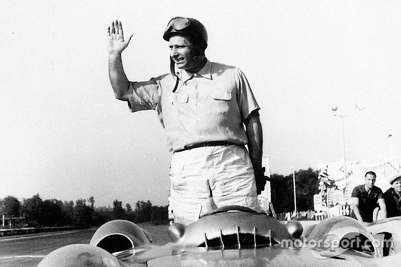 Por outro pedido de paternidade, juiz suspende exumação do corpo de Fangio