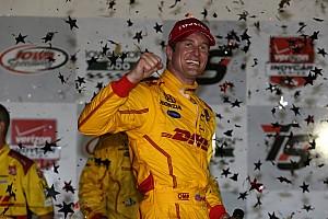 IndyCar Résumé de course Ryan Hunter-Reay ravi d'avoir remporté une course